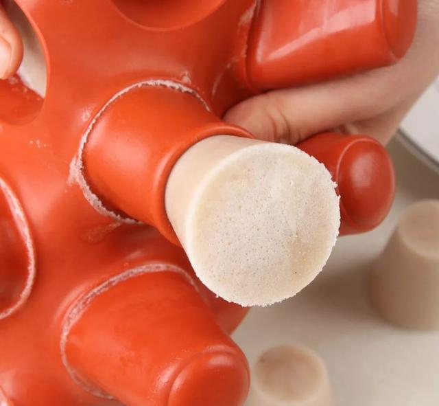 超简单原创配方 | 炎炎夏日,来一口清凉爽口的杏仁牛奶冻吧
