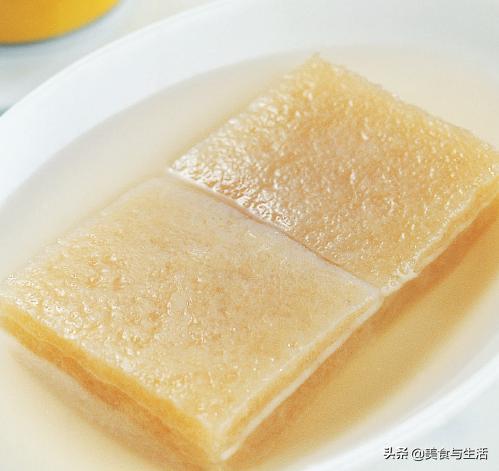 魔芋是降糖的利器,跟豆腐是最佳搭档,丝嫩爽滑,减肥就吃它