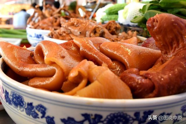 郑州:舌尖上的美食老罗家手擀面扣碗炖菜 吃剁椒鱼头是聚餐首选